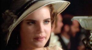 Elizabeth McGovern, como Deborah