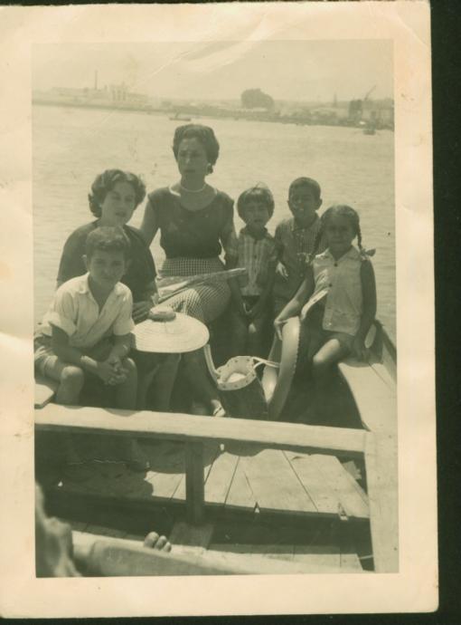 Camino de la otra banda - León Coheny su madre  en 1955