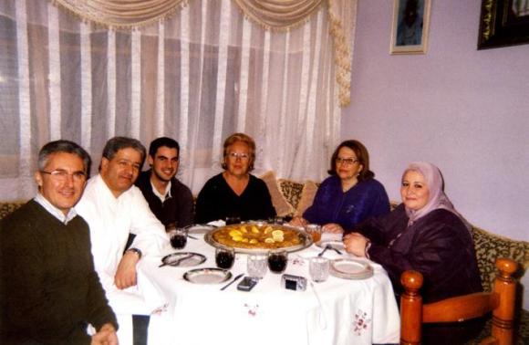Sergio, Yebari, Sergio jr., Maru, Fadela y la esposa de Yebari