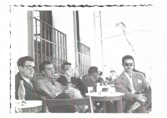 CAFÉ CENTRAL en su terraza Luis Guardia, Antonio Barce, Fuentes y Galeote