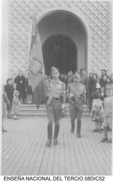Larache, 1952 . La Legión en la puerta de la Iglesia del Pilar