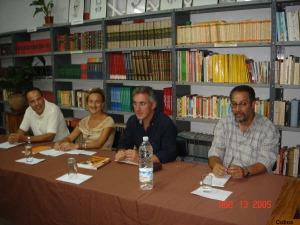 Mª Dolores López Enamorado, entre larachenses: Ahmed Demnati, Sergio Barce y Mohamed Laabi