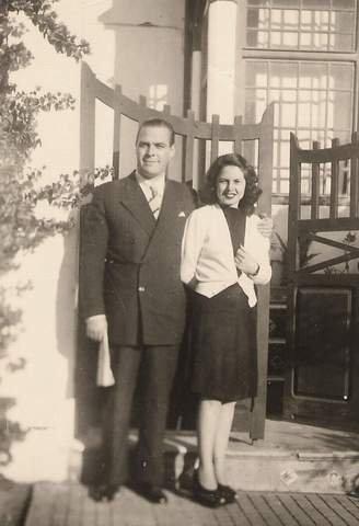 Mercedes Gómez con su hermano Federico