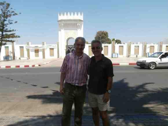 Sergio Barce y Hachmi Yebari frente a Lalla Menana