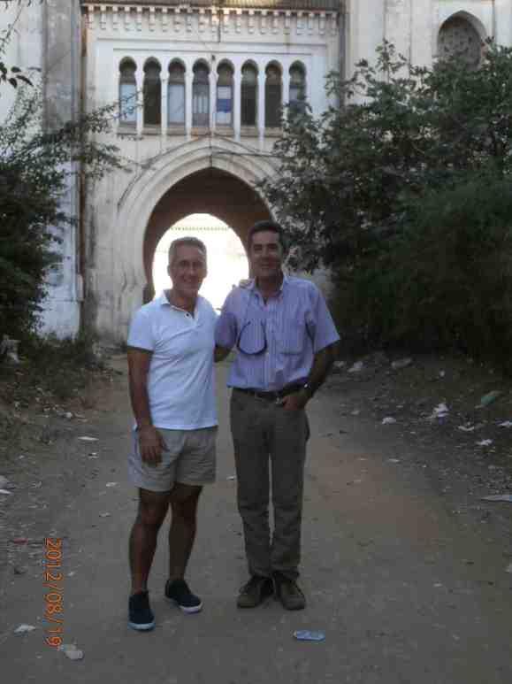 Sergio Barce y Luisito Velasco a las puertas de Autorradio - agosto 2013