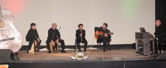 actuación del grupo flamenco