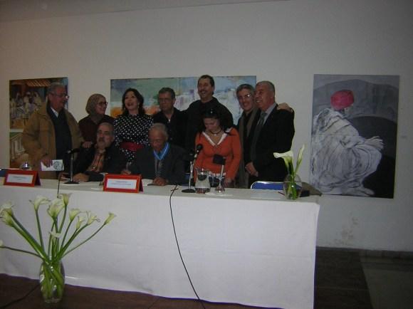 En Tánger, homenajeando a Sibari, estamos a su lado: Antonio Mesa, Rachida, Mari Carmen Revilla, José Luis Gómez, Ahmed Guennouni, Sandra Barce, Sergio Barce y Mohamed Akalay