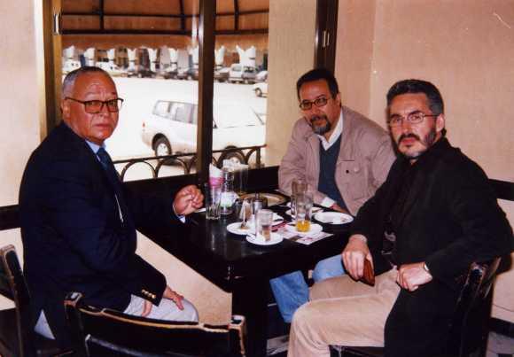 Larache - Café Central:  Mohamed Sibari, Mohamed Laabi y Sergio Barce