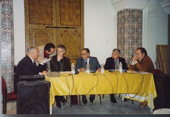 En Larache - Casa de la Cultura: Mohamed Sibari, Mohamed Laabi, Sergio Barce, Abdellah Djbillou, Mohamed Akalay y León Cohen