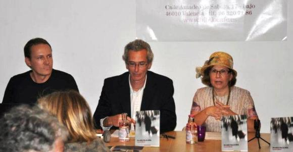 Mauro Guillén Grech, entre Franz Kelle y Fuensanta Niñirolo
