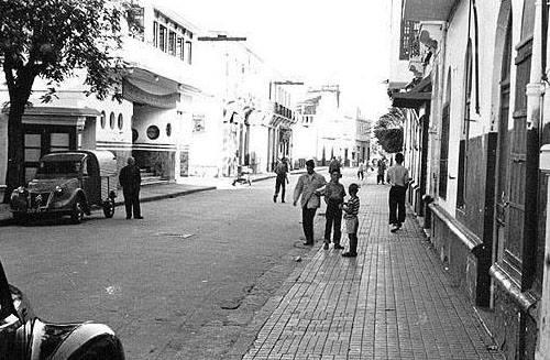calle Chinguiti y Cine Ideal - Larache