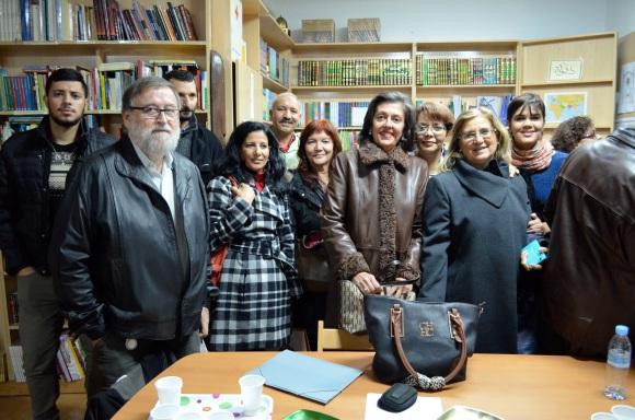 José Manuel Galindo a la izquierda, junto a Karim, Mohamed, Chiqui, Boubel, Rajae, Ange...