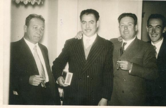 Larache - de izquierda a derecha, Antonio Rodríguez, Pepe Nieto, mi abuelo Manuel Gallardo Gallardo y otro amigo