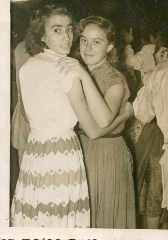 Baile en Larache - Loli Cambril y mi madre Maruja Gallardo
