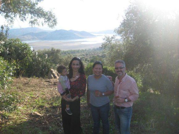 CON FATIMA CHARRIER EL BOUTHUORY (a la izquierda)