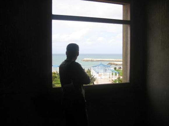 De nuevo en aquella ventana de mi antigua casa en Mulay Ismail, sobre el Balcón