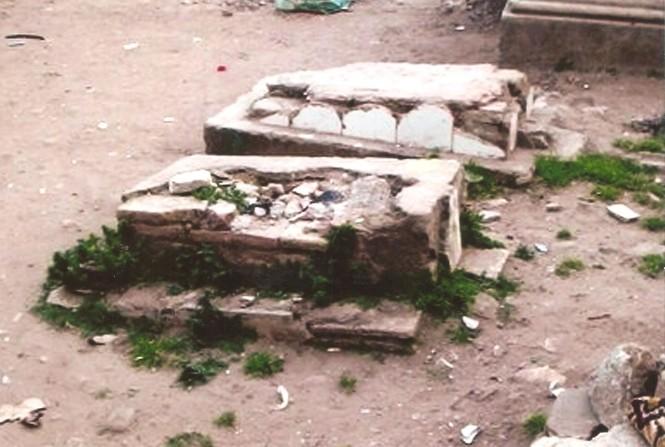estado-ruinoso-y-profanacion-de-sepulturas