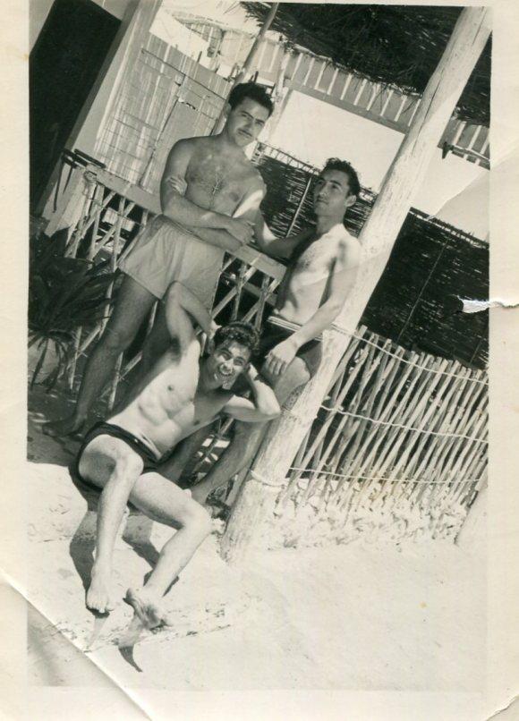 Larache - de pie, Fernando Galeote y AB, sentado Carlos Navas