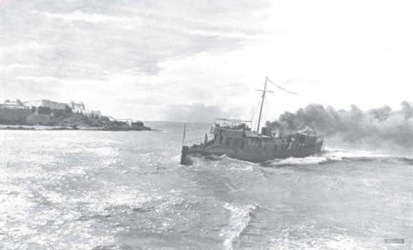 Larache, 1911 - el destructor Terror entrando en la barra de Larache